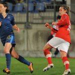Après avoir disputé la Coupe du monde 2019, Elise Bussaglia (33 ans, 192 sélections en équipe de France) met un terme à sa carrière internationale en Bleue.