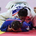 La Française Marie-Eve Gahié (-70 kg), 22 ans, a été sacrée championne du monde de judo pour la première fois de sa jeune carrière jeudi, à Tokyo.
