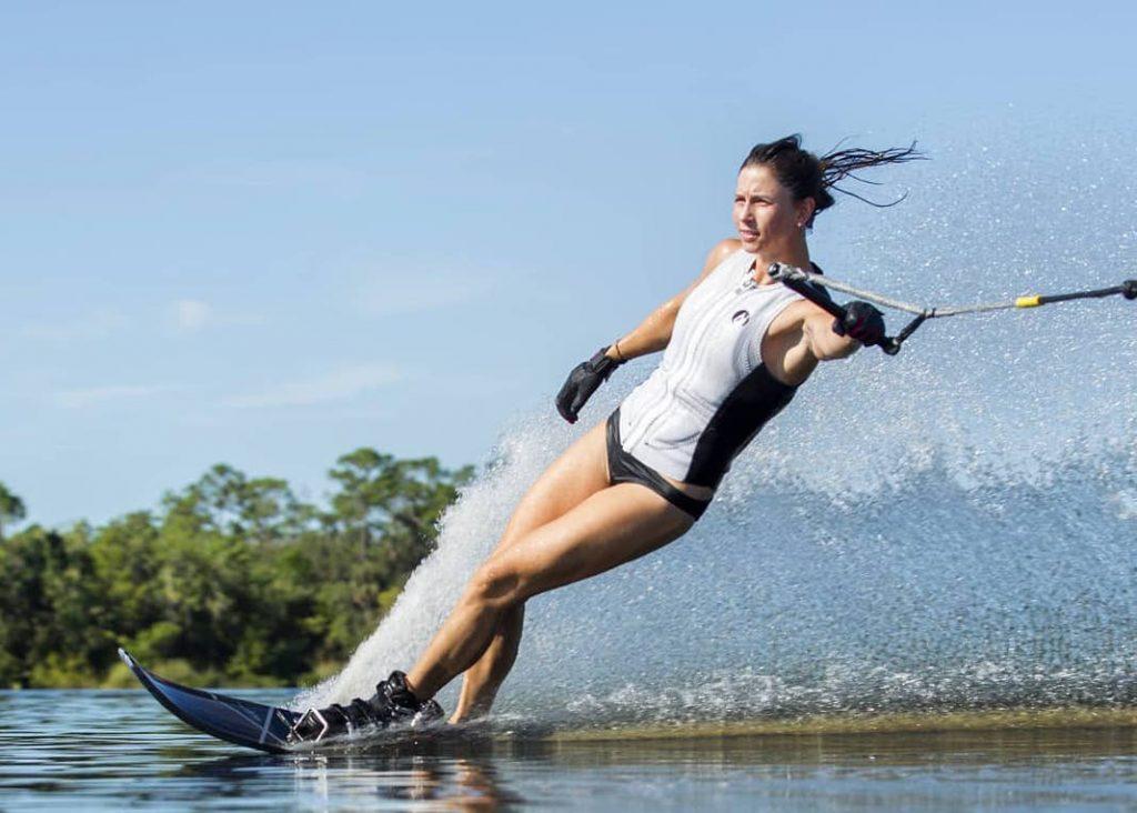 L'info qui vous a échappé cet été : Manon Costard, championne du monde de ski nautique !