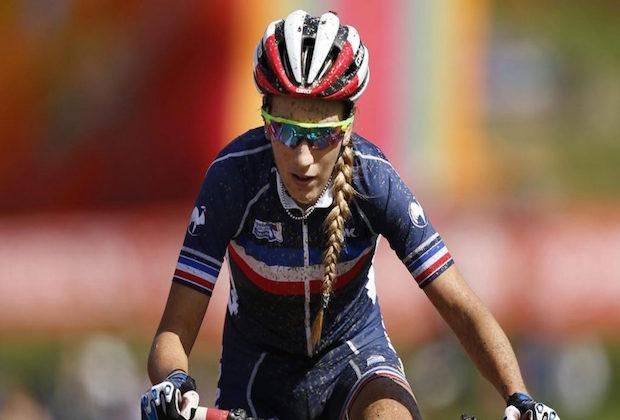 Pauline Ferrand-Prévot remporte le titre mondial en VTT marathon
