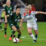 Victoire pour Eugénie le Sommer, Amandine Henry et toutes les joueuses de l'Olympique lyonnais ce samedi, lors du Trophée des Championnes face au PSG.