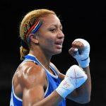 La boxeuse française Estelle Yoka-Mossely, sacrée championne olympique en 2016 à Rio, a conservé sa ceinture mondiale IBO des poids légers samedi.