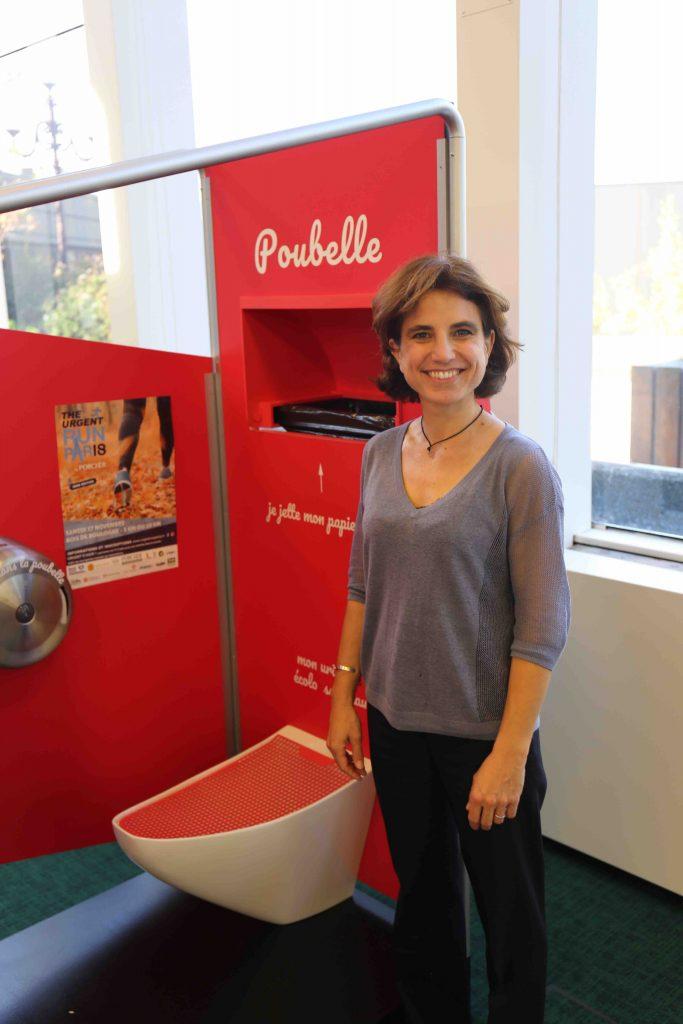 Avec «madamePee», la première «urinoire» mobile conçue pour les femmes, aller aux toilettes dans les lieux publics n'est plus un cauchemar.