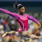 L'Américaine Simone Biles a décroché ses 15e, 16e, 17e, 18e et 19e couronnes mondiales à Stuttgart, lors des Mondiaux-2019 de gymnastique artistique.