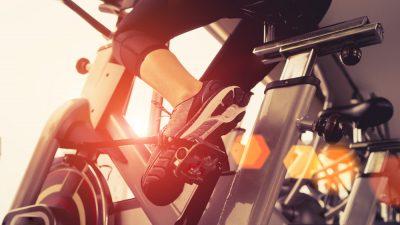 Lifestyle – Pourquoi faut-il (absolument) se mettre au spinning ?