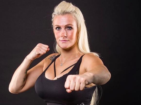 Une combattante de MMA a violemment été agressée par son ex…