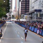 La Kényane Joyciline Jepkosgei a remporté ce dimanche le marathon de New York, détrônant sa compatriote Mary Keitany qui a terminé deuxième.
