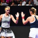La Française Kristina Mladenovic et sa partenaire Timea Babos, tenantes du titre, ont remporté le double dames du Masters 2019 de Shenzhen dimanche.