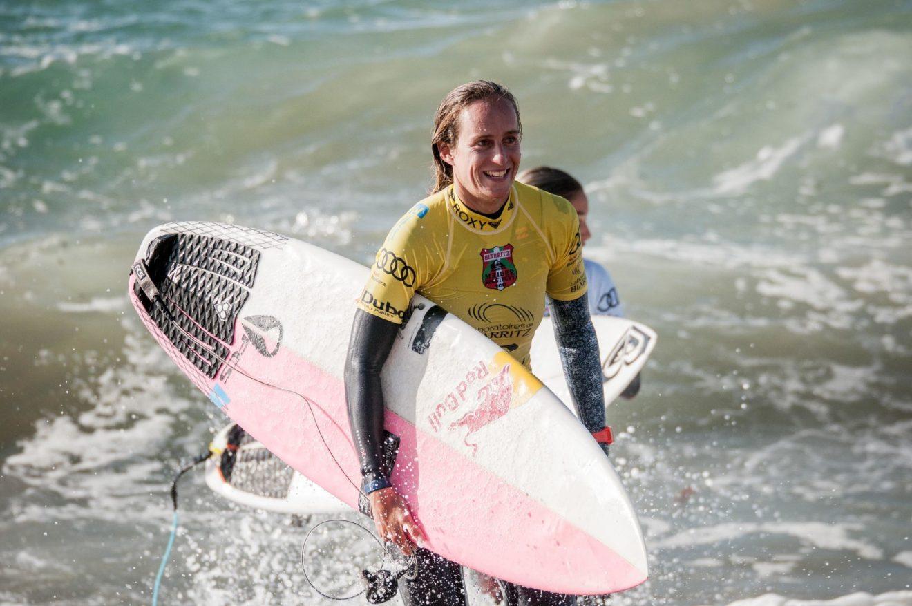 Les images hallucinantes de Justine Dupont sur une vague de plus de 20 mètres !