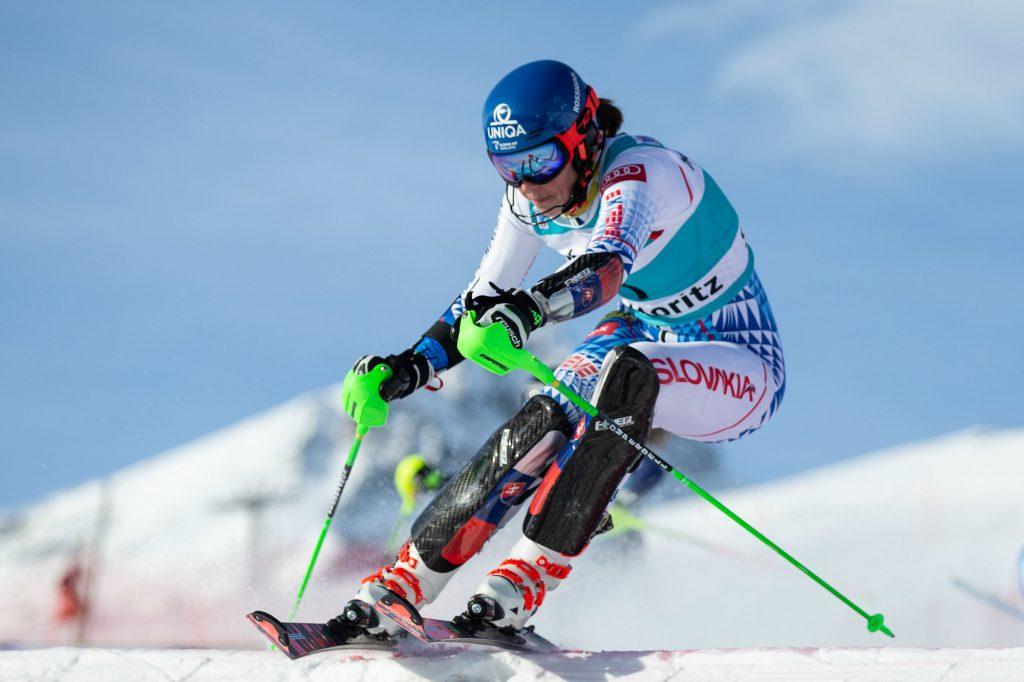 Ski alpin : Petra Vlhova remporte le slalom parallèle de Saint-Moritz