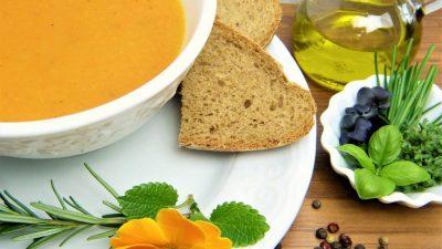 Food : craquez pour cette soupe aux patates douces et poivrons