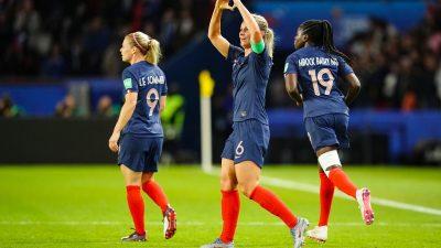 Foot féminin : la France dépasse la barre des 200.000 licenciées