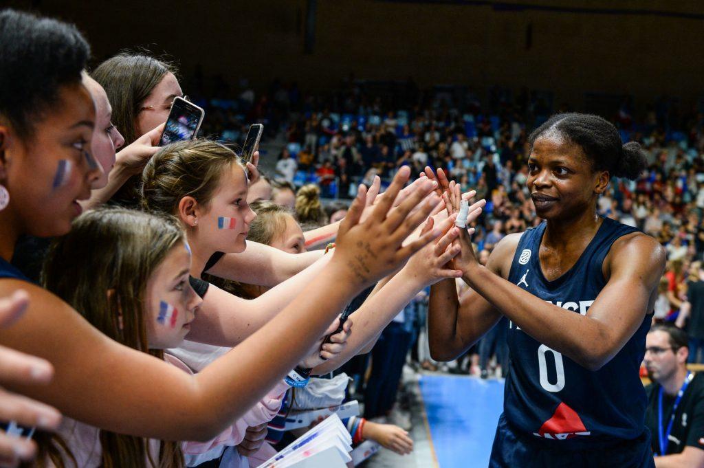 Basketball : Olivia Époupa au Phoenix Mercury (WNBA)