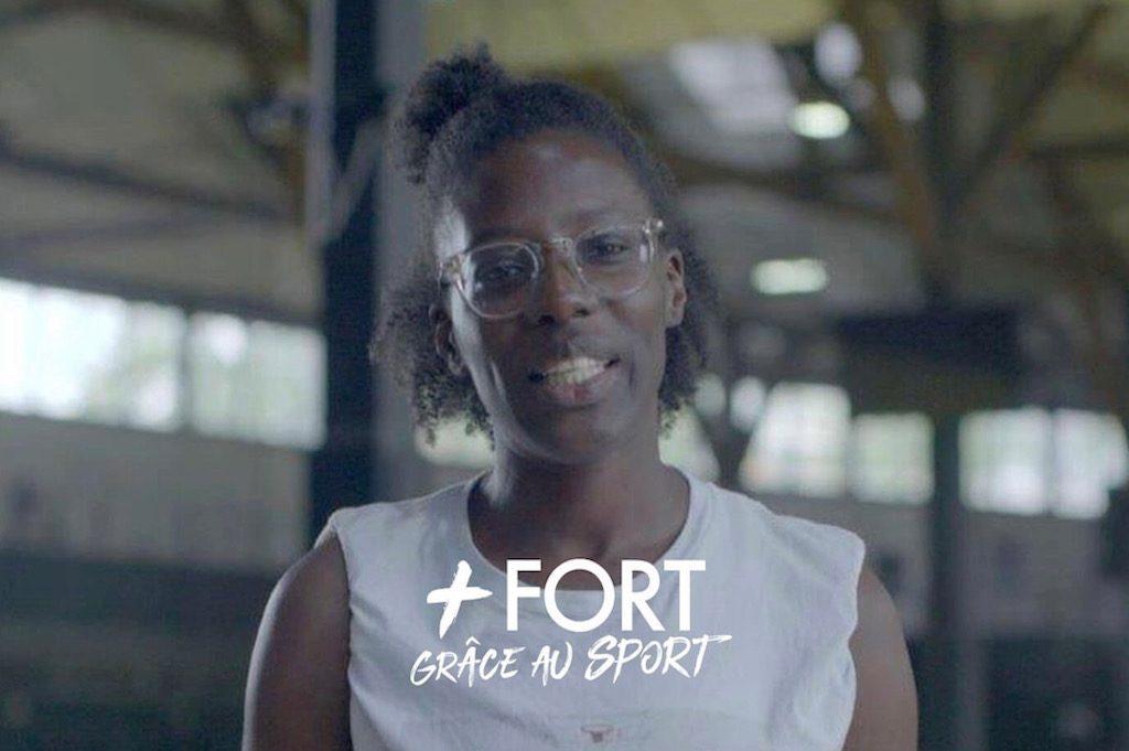 [Le portrait du mois by Crédit Agricole] Syra, la blogueuse qui s'est construite grâce au basket