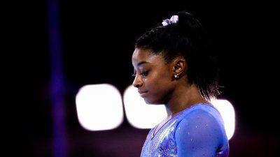 Gymnastique : Simone Biles en pleurs à l'annonce du report des JO