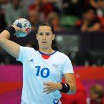 La championne du monde 2003 de handball Sophie Herbrecht met un terme à sa carrière à l'âge de 38 ans, une décision précitée par le coronavirus.