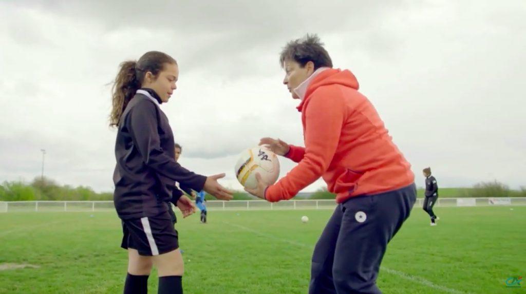 Dans le cadre de son webzine «Le Sport comme École de la Vie», le Crédit Agricole est parti à la rencontre de Nicole Abar, pionnière du football féminin.