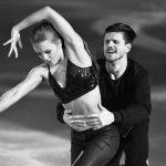La patineuse australienne d'origine russe Ekaterina Alexandrovskaya est décédée samedi, à l'âge de 20 ans, après avoir chuté d'une fenêtre à Moscou.