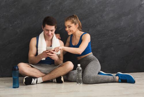 Shopping en ligne : refaire sa garde-robe sport sur internet