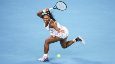 WTA – Serena Williams s'impose face à sa soeur Venus et fonce en quarts