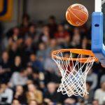La première journée de la Ligue Féminine de Basketball (LFB), qui devait initialement se jouer ces vendredi 25 et samedi 26 septembre, a été intégralement reportée au 14 octobre prochain en raison de cas positifs ou de cas contacts avérés dans plusieurs équipes du championnat.