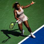Serena Williams (N°8 mondiale), qui pourrait égaler à New York le record de 24 titres en Grand Chelem de Margaret Court, s'est qualifiée pour les quarts-de-finale de l'US Open 2020 lundi soir.