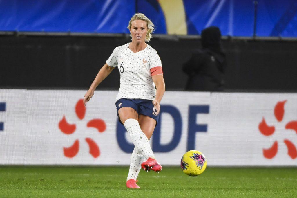 Amandine Henry est « choquée » de sa non-sélection en Équipe de France