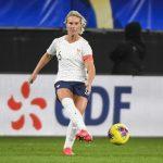 Capitaine des Bleues, Amandine Henry n'a pas été convoquée en sélection par Corinne Diacre ce jeudi. Une décision qui a choqué la joueuse lyonnaise selon ses dirigeants de club.
