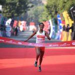 L'Ethiopienne Yalemzerf Yehualaw a remporté ce dimanche le semi-marathon de New Delhi en signant le deuxième meilleur chrono de l'histoire !