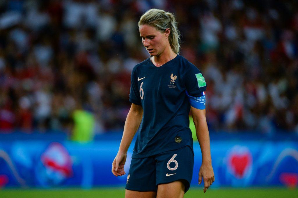 Football (EdF) : Amandine Henry explose Corinne Diacre !