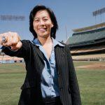 Les Marlins de Miami ont nommé Kim Ng au poste de « general manager ». Une première pour une femme dans le milieu du baseball pro américain.
