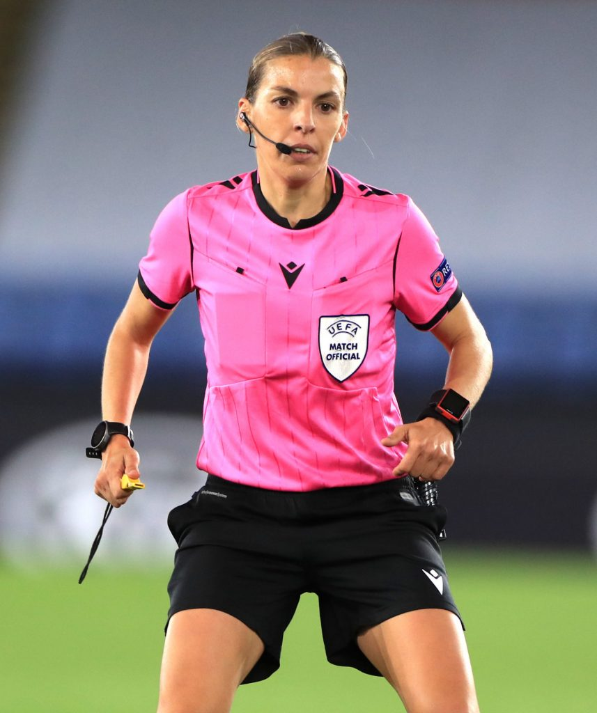Découvrez quelles sont les sportives & équipes féminines qui ont été les plus médiatisées en novembre 2020 dans ce nouveau baromètre exclusif.