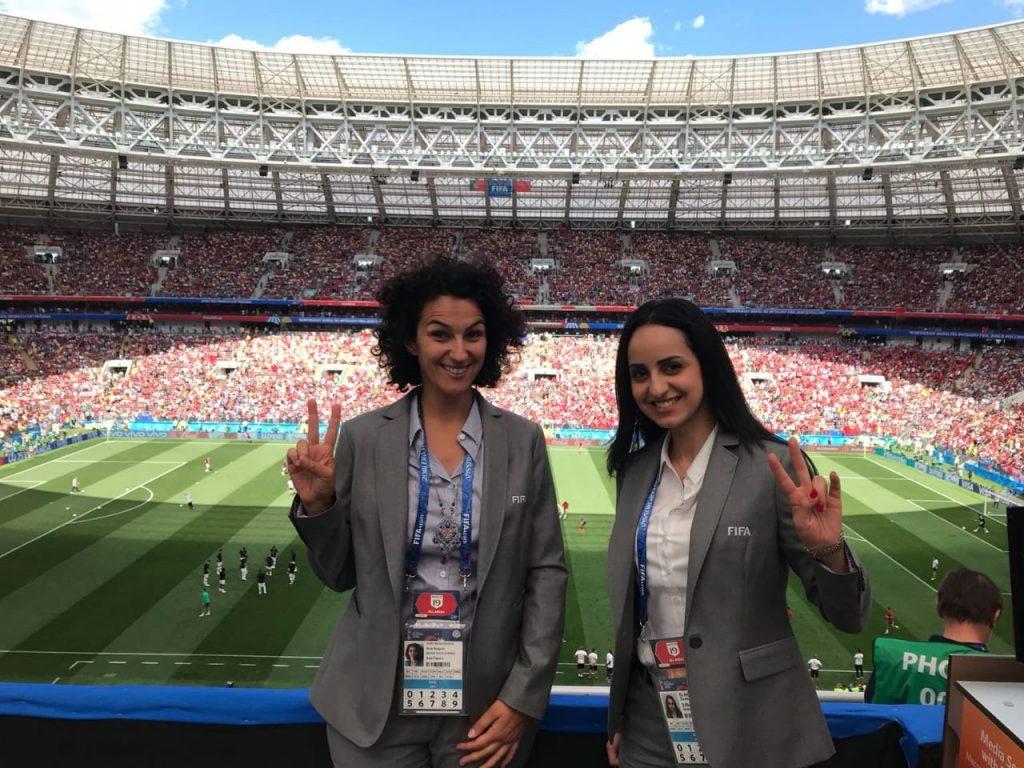 Zineb El Houari (journaliste & chroniqueuse sportive sur France 24) : « Si je peux jouer au foot, je peux en parler sur un plateau télé ! ».