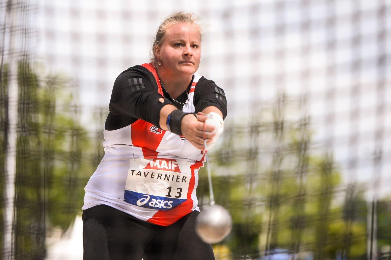 Alexandra Tavernier bat le record de France au marteau