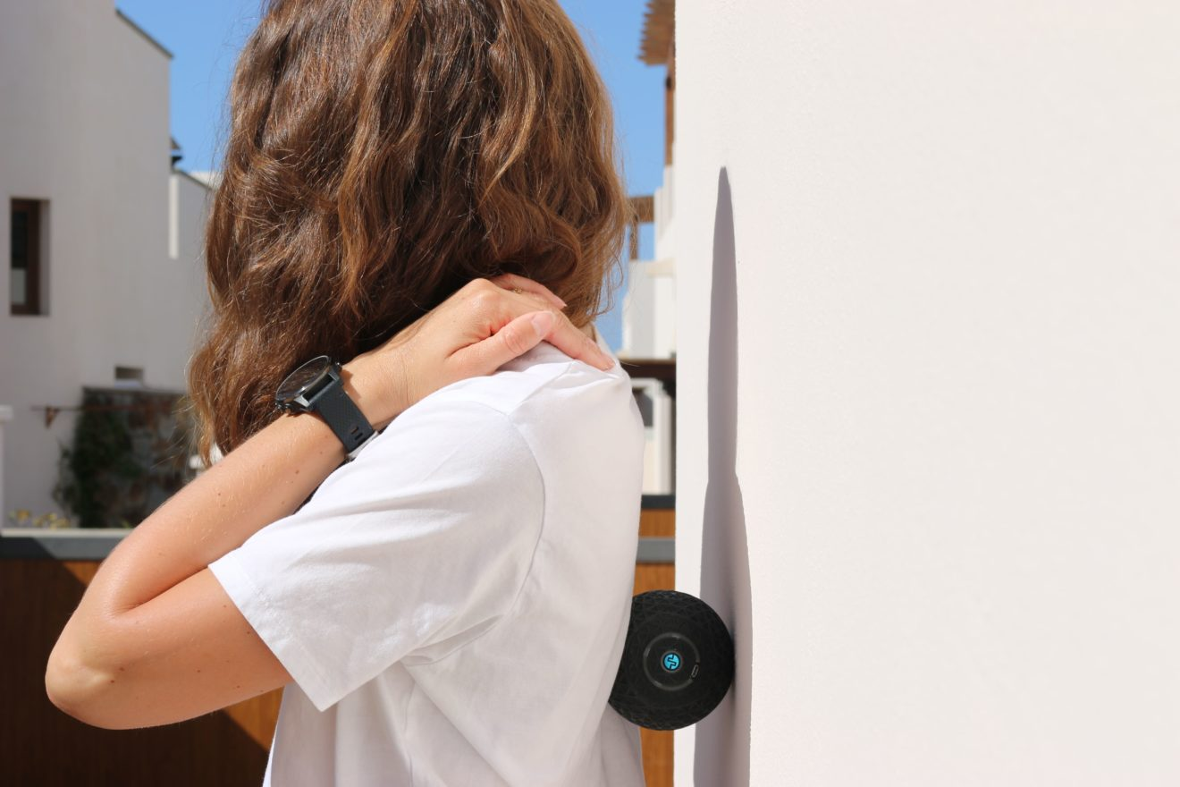 La balle de massage Compex : soulager ses muscles avec amour