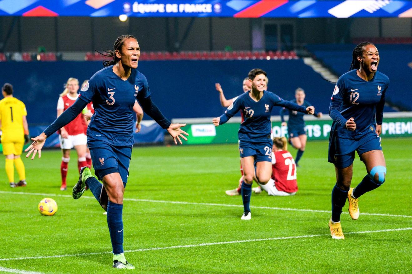 Ballon d'Or féminin 2021 : les 20 nommées pour la victoire avec  3 Françaises !